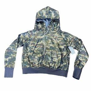 JOCELYN**Camouflage Sequined Hoodie*Medium